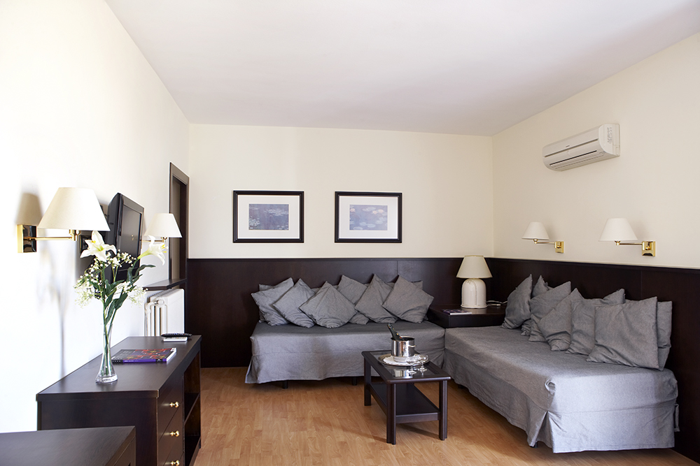 Camere suite hotel barcellona hotel gaud in centro a for Hotel barcellona centro
